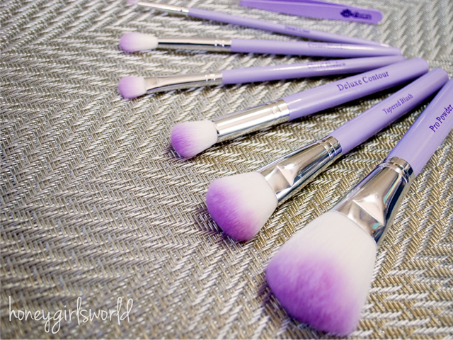 review-crown-brush-HD-set-mirror-tweezer-2