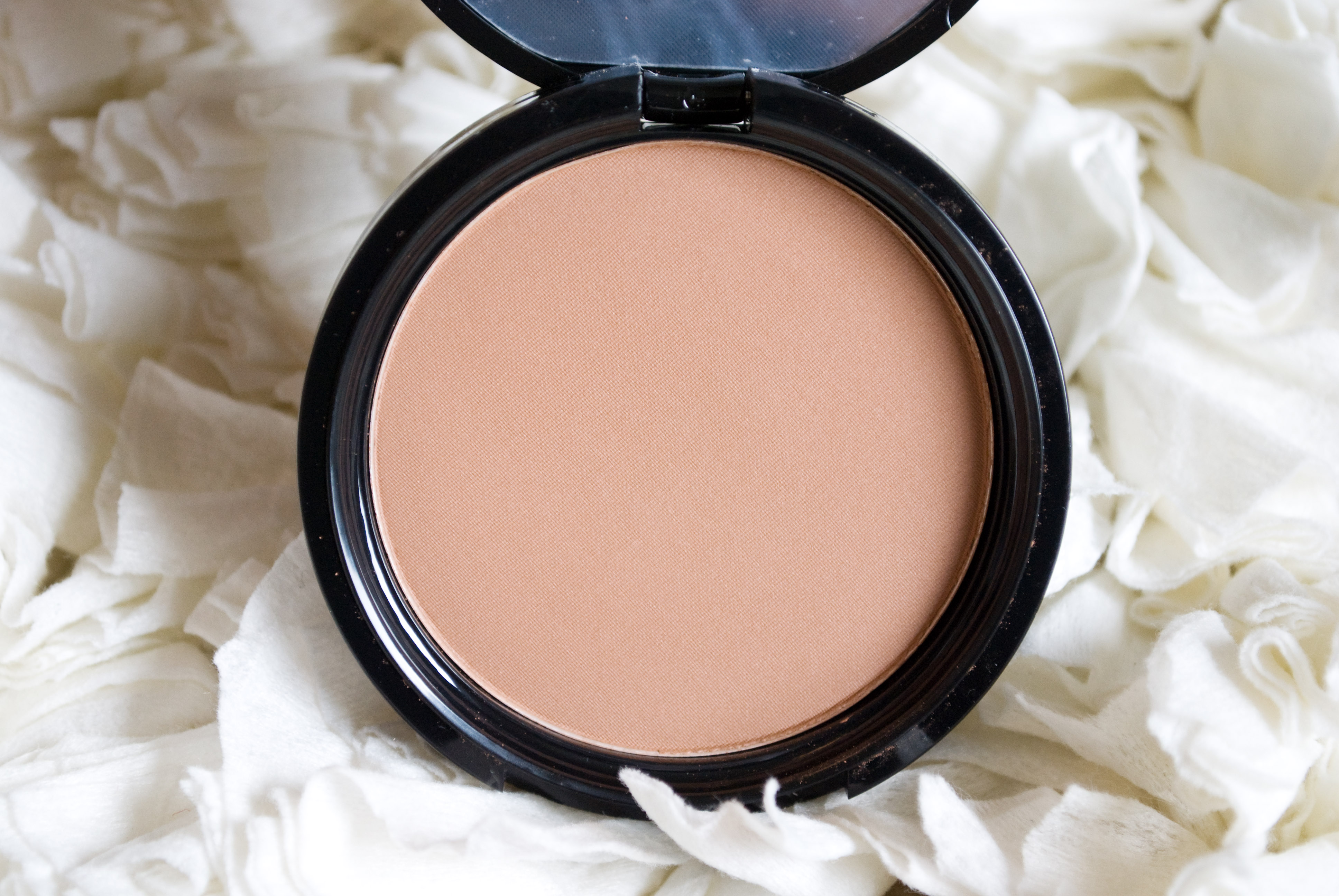 Bronzed Beauty with NYX Matte Bronzer  http://honeygirlsworld.com