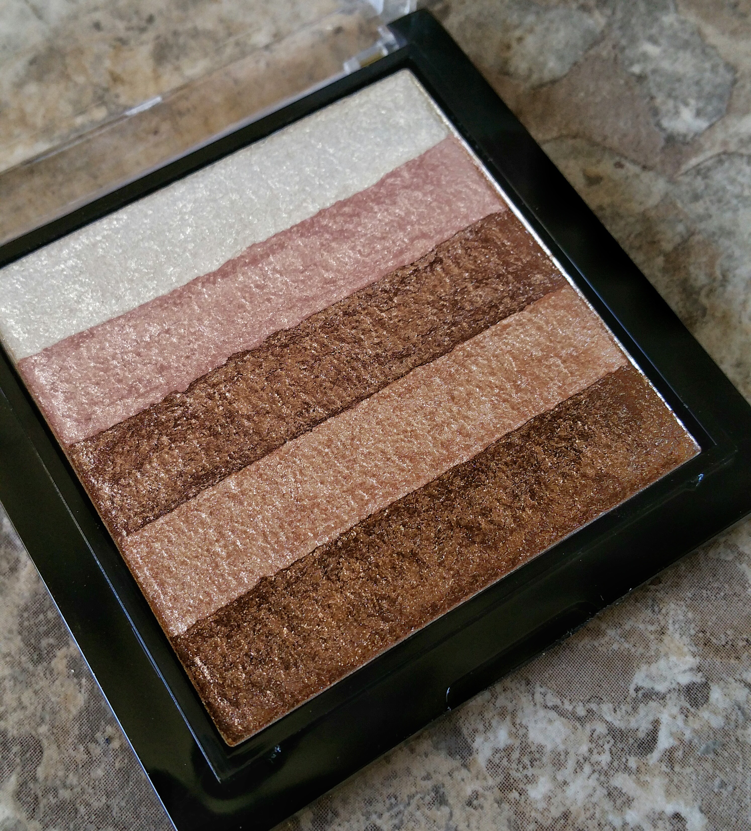 Ulta, Makeup Revolution, Vivid Shimmer Brick Radiant, Highlight, highlighter, on fleek, affordable highlighter, highend dupe, hourglass dupe, mary luminizer dupe, golden highlight, bronze, bronze highlight, makeup, beauty, swatches, product review,