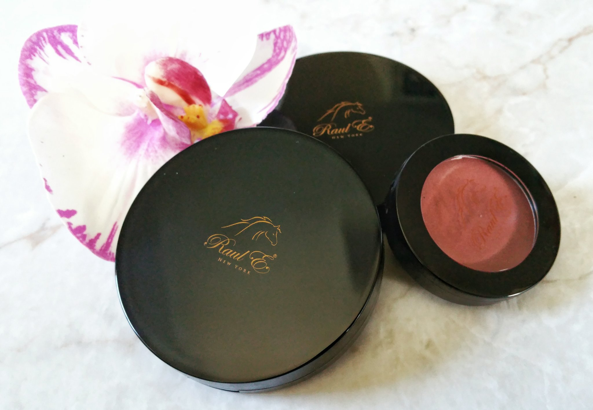 mineral cosmetics, makeup, cosmetics, beauty, swatches, Raul E New York, mineral cosmetics, mineral blush, mineral silk radiance powder, eye shadow quad, mineral eye shadow quad, makeup review, beauty review, highend makeup, luxury makeup,