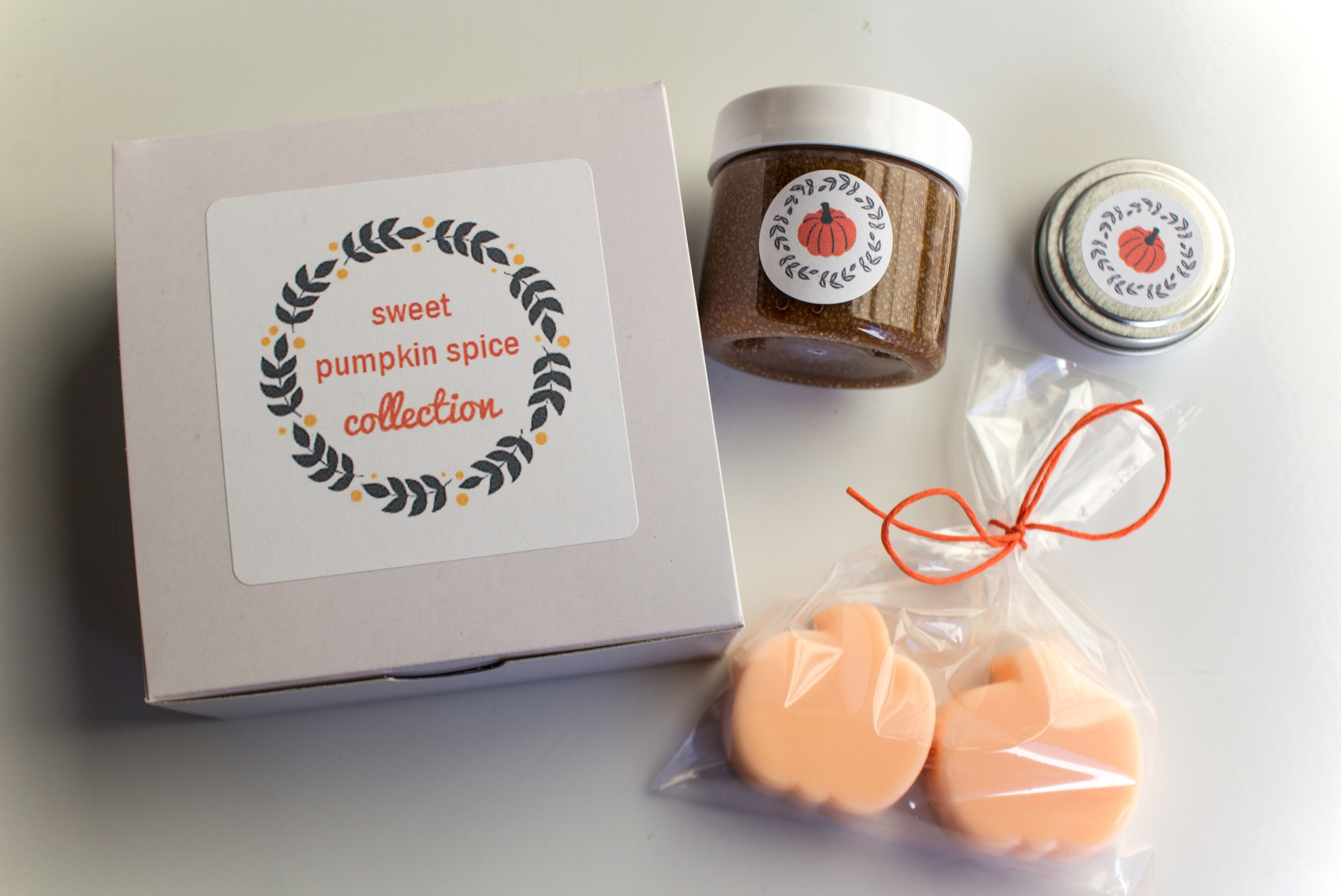 Happee Body. bath and body, holiday gift idea, holiday gift guide, small business, etsy, pumpkin spice, pumpkin soap, pumpkin gifts, fall gift idea, soap, lip balm, lip scrub,