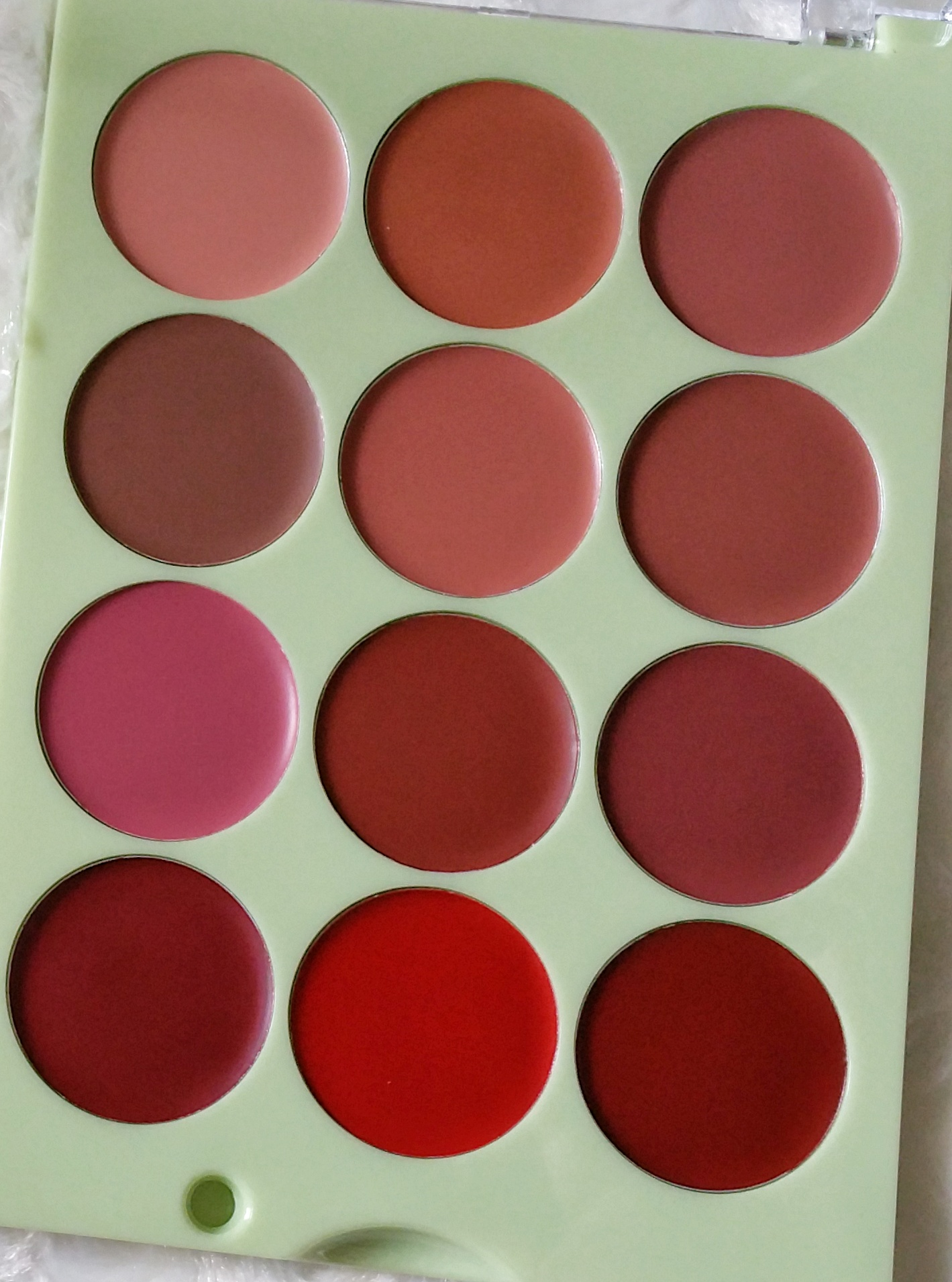 It's Judy Time, It's Eye Time, It's Lip Time, makeup palette, lip palette, eye shadow palette, Pixi Beauty, Pixi, eye shadow, lips, lipstick, lip color, eye color, eye shadow shades, swatches, makeup, beauty,