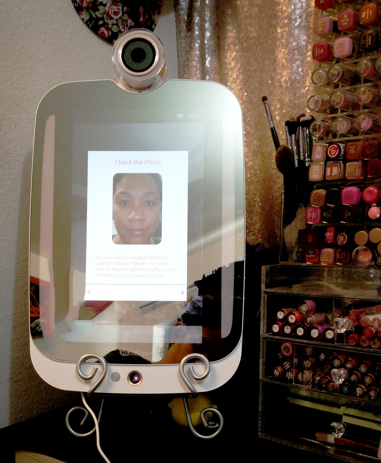 HIMirror Plus, review, beauty, smarter beauty, innovative, beauty goals, personal beauty system, smart beauty mirror, beauty mirror, skin analysis, face recognition, skincare tips, at-home beauty consultant, skin care, skincare, makeup light, beauty review, skincare review, beauty technology,